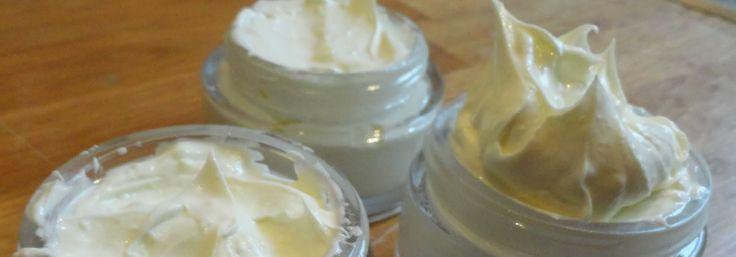 Zelf creme maken van Kokosolie bijenwas en aleo vera gel http://plazilla.com/page/4295092278/zelf-gemaakte-dag-en-nachtcreme