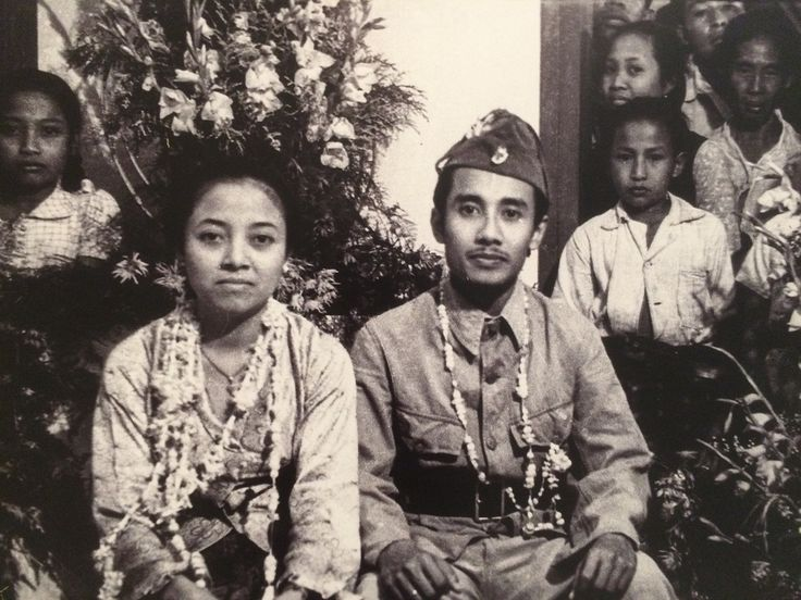 Pengantin Revolusi , Bung Tomo dan Sulistina, 19 Juni 1947. (IPPHOS - Antara Foto). http://tribratanewsjatim.com