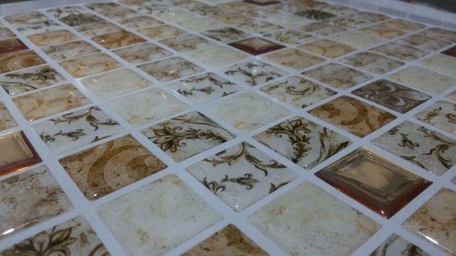 Pastilhas Adesivas Resinadas 2,5 Placa 28,5 x 30cm -PBR-MC/021 - 103 ( Lygia) - Miscelâneas - Pastilhas Adesivas