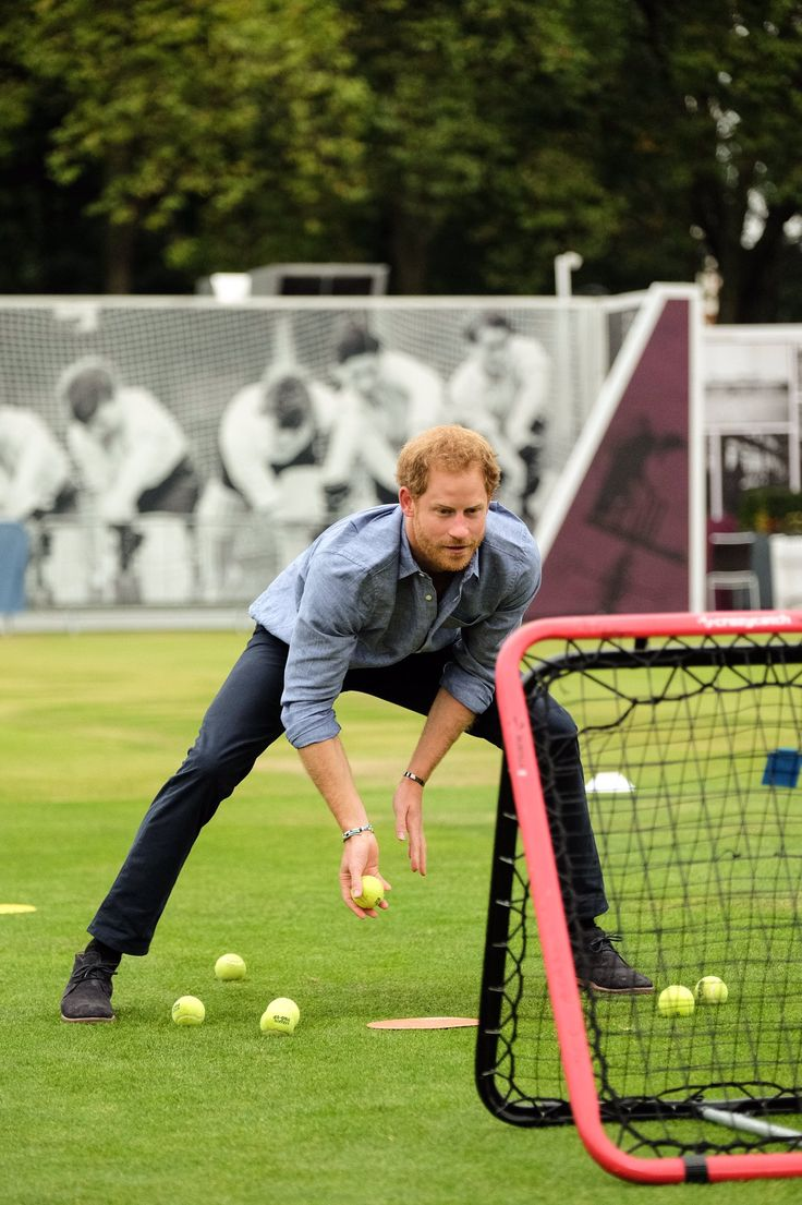 "Kensington Palace on Twitter: ""First up for Prince Harry celebrating the success of @WeAreCoachCore: a spot of catching practice @HomeOfCricket!"