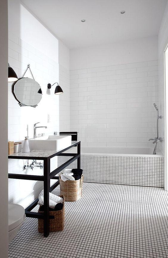 25 beste idee n over witte tegels in de badkamers op pinterest witte tegelvloeren badkamers - Witte matte tegel ...