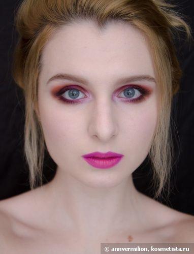 Креативный новогодний макияж с трендовыми цветами