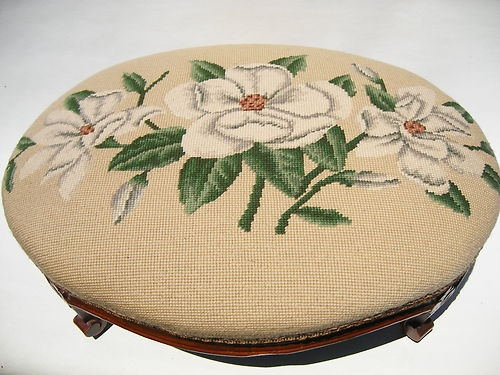 LARGE CARVED WOOD NEEDLEPOINT COVERED FOOTSTOOL ~ VINTAGE FRENCH STYLE - ROSES