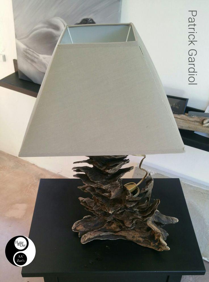 Création Patrick Gardiol  •  Lampe bois flotté en espace Déco AA'Zart's #boisflotté #décoration #sartene #deco