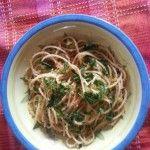 Pasta con la mollica e le acciughe salate. Calabria terra di storie e di sapori