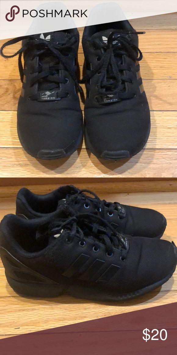 Adidas girls black tennis shoes size 2