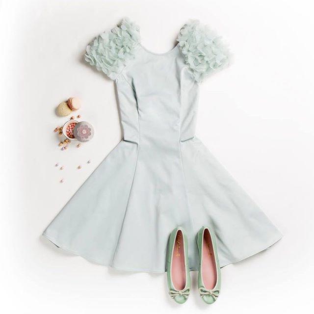 Minty princess :crown: #kleid #lipsy #ballerinas #prettyballerinas #Breuninger #ootd #princessfeeling #pastell #love #picoftheday #loveit #instafashion #flatlay #flatlays #flatlayapp www.flat-lay.com