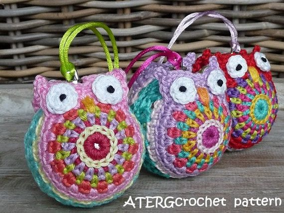BRIGHTEN UP YOUR CHRISTMAS BALLS WITH COLORFUL OWL CROCHET!!!   This pattern is a step by step tutorial, in English (US terms) completed with detailed pictures. The list of used stitches is translated in Dutch, UK English and German crochet terms.  You crochet the Christmas ball owl jacket with fingering weight cotton and crochet needle B/2,5mm to fit a Christmas ball (plastic) with a ∅ of 2.4inch / 6cm.  I love to crochet with the wide range of colors from Catania Schachenmayr.  Cr...