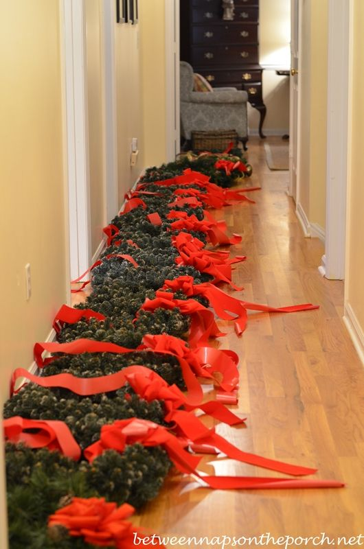christmas decorating ideas 22 best images about wreaths on windows on 29985