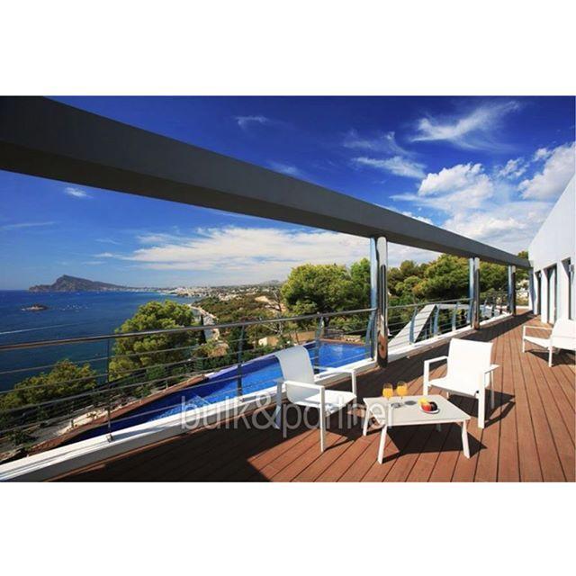 Feliz Año Nuevo // Happy New Year // Ein gutes neues Jahr // Specialist for finest properties and homes on the Costa Blanca North / Real estate is our passion ... bulkpartner.net  #felizanonuevo #happynewyear #gutesneuesjahr #2018 #finestproperties #luxurydefined #bulkpartner #costablanca #javea #xabia #moraira #benissa #altea #alteahills #ibizastyle #elportet #luxuryrealestate #propertiesspain #spain #espana #realestate #costablancaproperties #architecture #propertyinvestment…