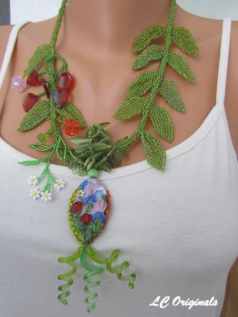 FLOWERING MEADOW summer necklace