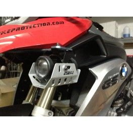 These DS Bike Protection guards are laser cut and formed from 2mm aluminum.  Protect your Hella Micro DE driving or fog lights for a fraction of the replacement cost!  Mount up easily and look great in either black or aluminum/silver.  Includes: Hella Lights - Guards - Switch - Pannier