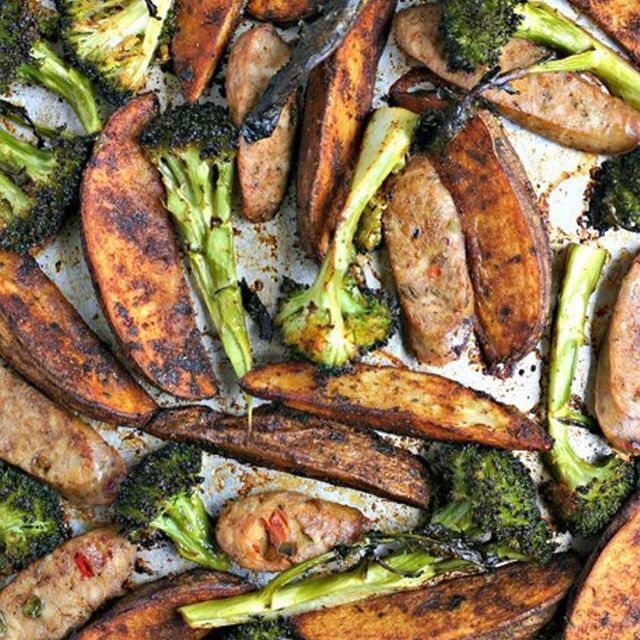 You seriously need to make this Italian Sausage, Broccoli Spear and Paprika Potato Wedges Sheet Pan…