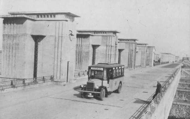 Flevolands geheugen -1935 Lijndienst of wilde rit over de Afsluitdijk