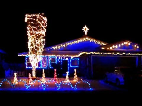 One of my friend's light shows!! Christmas Light Show 2013 - Fernley, NV -- Carol of the Bells.