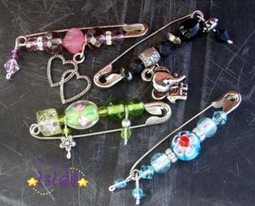 Safety pin bead art
