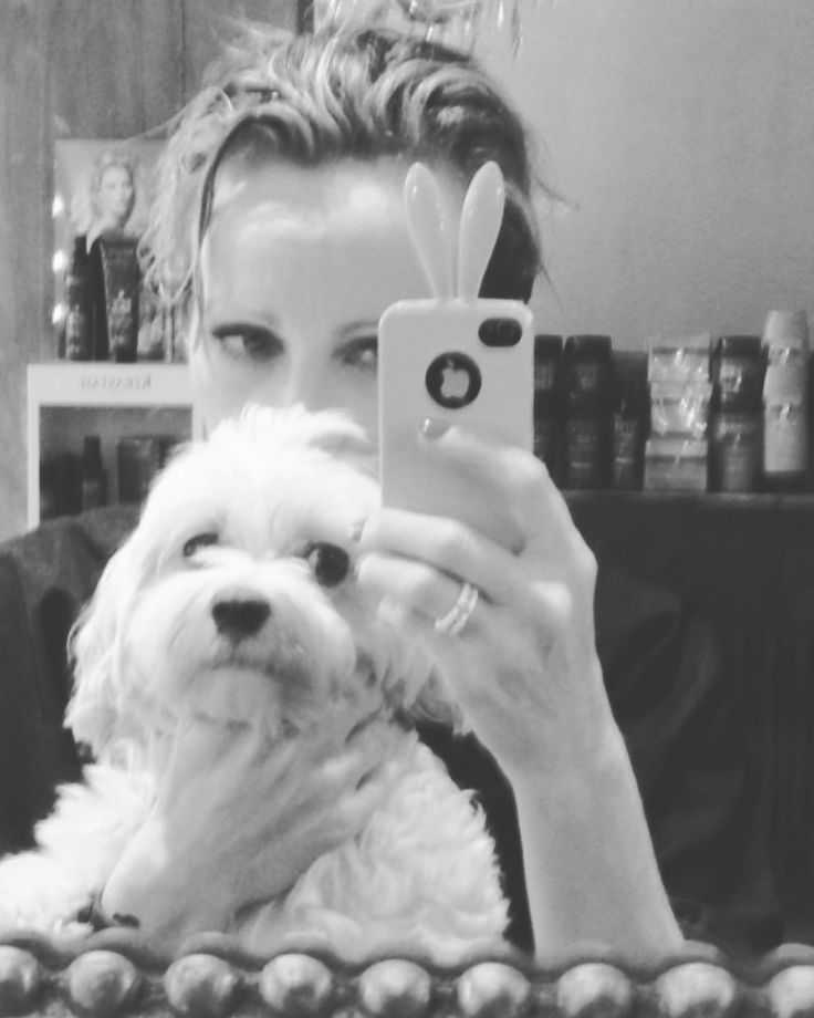 "635 aprecieri, 62 comentarii - Patricia Kaas (@patriciakaasoff) pe Instagram: ""❤️ You and me  i #missyou 🐾 so much  my #beauty #amour #bestfriend #dog #maltese you were so…"""