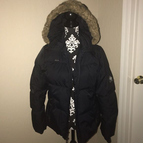 Columbia sportswear company jacket Women's size medium black price is firm Jackets & Coats