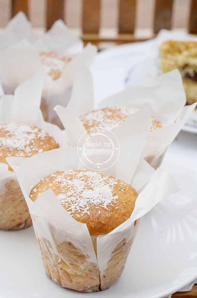Muffins al cocco con cuore di nocciolata