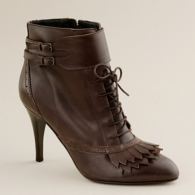 Victorian inspired, but I would wear these with jeans. :): Fashion Shoes, Old Style, Victorian Shoes, Fall Shoes, Ankle Boots, Victorian Lady, Kiernan Ankle, Brown Boots, Victorian Era