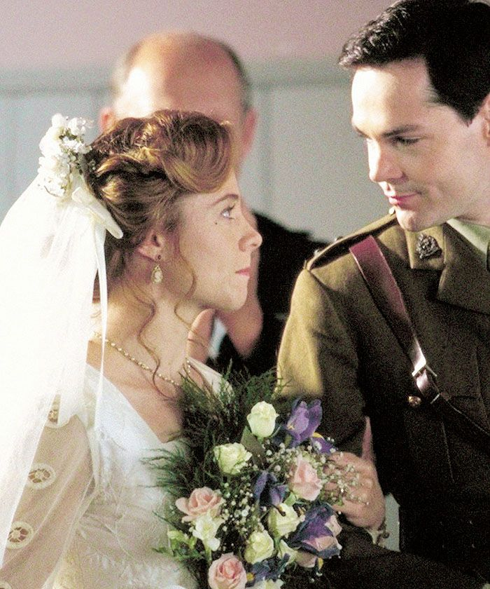 THIS couple: Anne Shirley + Gilbert Blythe.