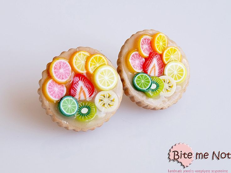 -Silver plated stud earrings!-Tarts with variety of fresh fruits (sanguine, orange, lemon, banana, kiwii, lime, strawberry)!