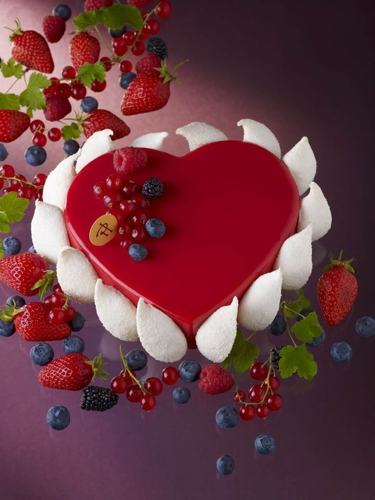 Pierre Herme Ella Heart Cake
