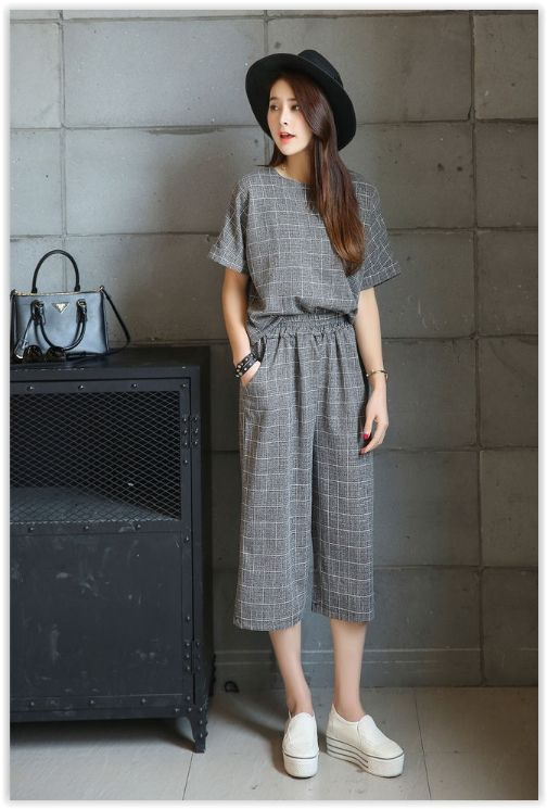 Fashion Street - Set: Short-Sleeve Plaid Top + Cropped Wide Leg Pants US$18.18