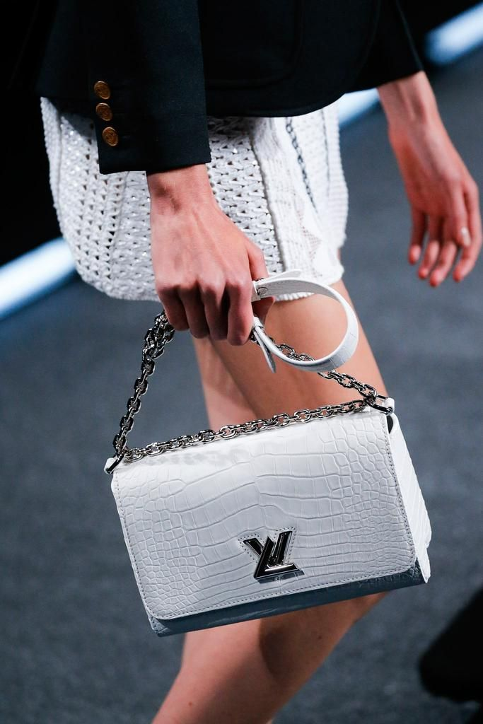 Louis Vuitton Spring 2015 Ready-to-Wear - Details - Gallery - Look 1 - Style.com