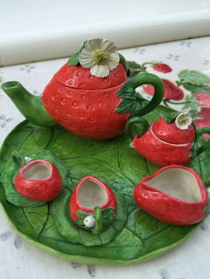 1000 images about my strawberry obsession on pinterest - Strawberry kitchen decorations ...