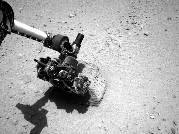 Mars Curiosity Rover Touches 1st Martian Rock: Mars Rovers, Curio Rovers, Curiosities Rovers, Rovers Curio, Curiosity Rover, Mars Curio, Robots Arm, Rocks, Photo