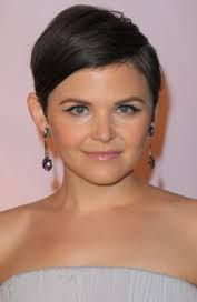 Xai'nyy Ginnifer Goodwin Film actress Jennifer Michelle Goodwin, known professionally as Ginnifer Goodwin, is an American television and film actress. Currently playing Snow White in Once Upon a Time. Wikipedia