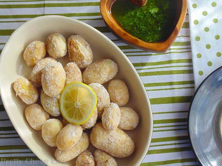 Papas Arrungadas y Mojo de Cilantro (wrinkled potatoes with coriander sauce)