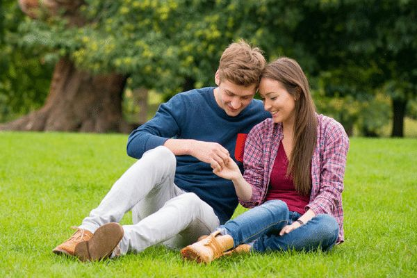 If you are single women seeking men for relationship. You must try our leading online dating services. Where any female can meet his kind of local men within few moments. We have lots of men looking woman for date. So do a free sign up with us. And find your like-minded man. Here are some tips which helps you to get success on internet sites.