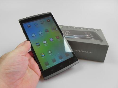 Allview Viva H7S Unboxing + Concurs: tabletă cu design slim de telefon, apelare telefonică, 3G şi GPS (Video) http://mbls.ro/VJ6Snp