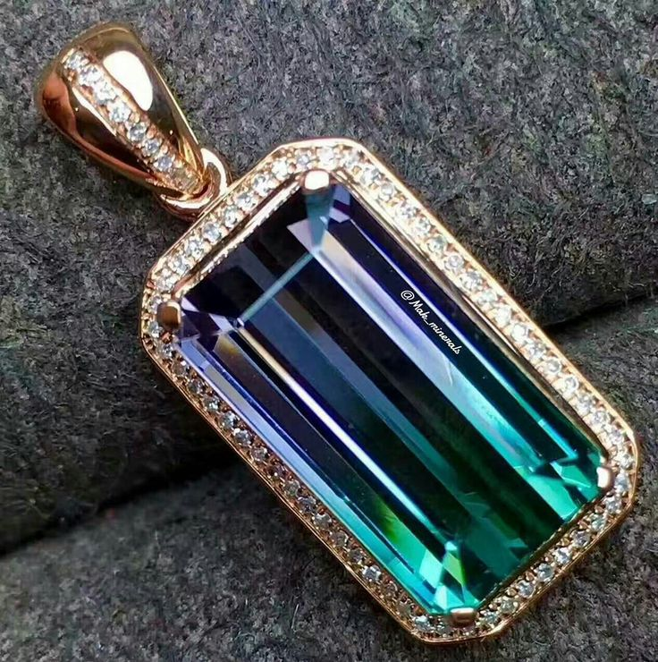@mak_minerals The natural bi color tourmaline pendant wrapped in 18k gold with diamonds, color is gorgeous, crystal clean, in real more beautiful.. Stones weight: 7.45 carats Dimension: 14.5 * 7.5