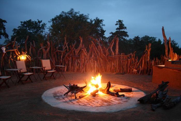 'n Vuurtjie by Boabab Ridge - Greater Kruger, Hoedspruit: http://www.lekkeslaap.co.za/akkommodasie/boabab-ridge-greater-kruger