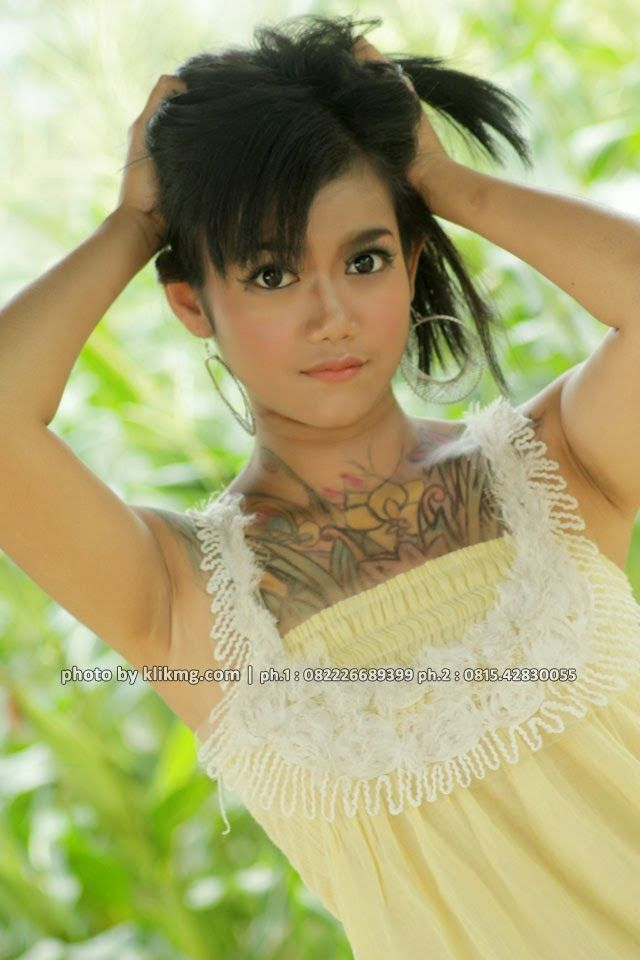 Judul / Tema : Jessy - The Sensual Girl - Model Indonesia photo by. klikmg.com - Fotografer Purwokerto / Fotografer Banyumas - Kategori Foto : Glamour Model | Tinggi : 164 cm | Berat : 49 kg | make up & wardrobe by : ratuayu.com | File Foto : 9 pcs | Lokasi Shoot : Resto JOGLO Banteran - Banyumas