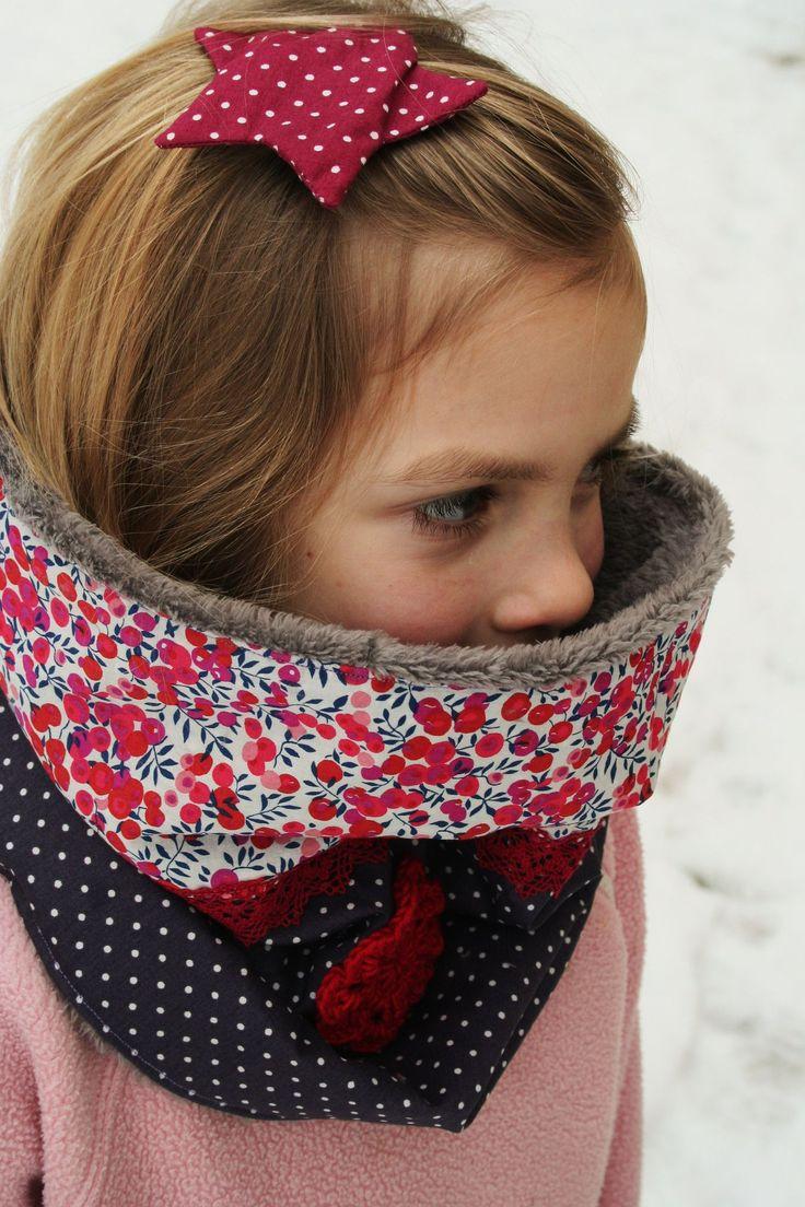 snood fourrure, Liberty Wiltshire, dentelle et pois + fleur au crochet