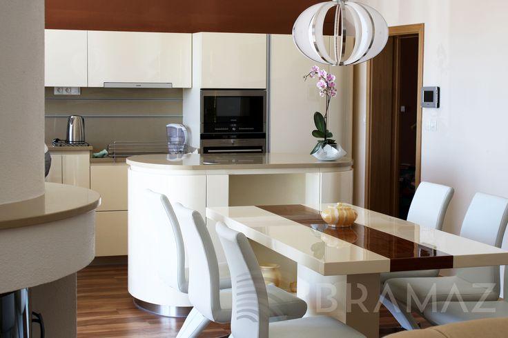 kuchyň, jídelna - lak vysoký lesk