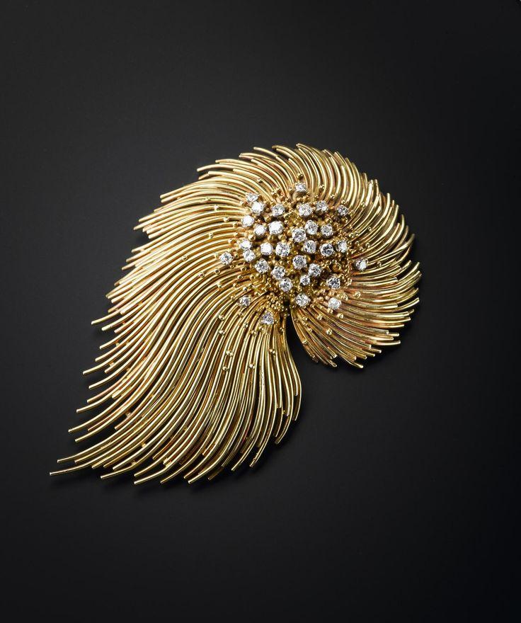 Brooch of 18 carat gold and diamonds: English, London, by David Thomas, 1973