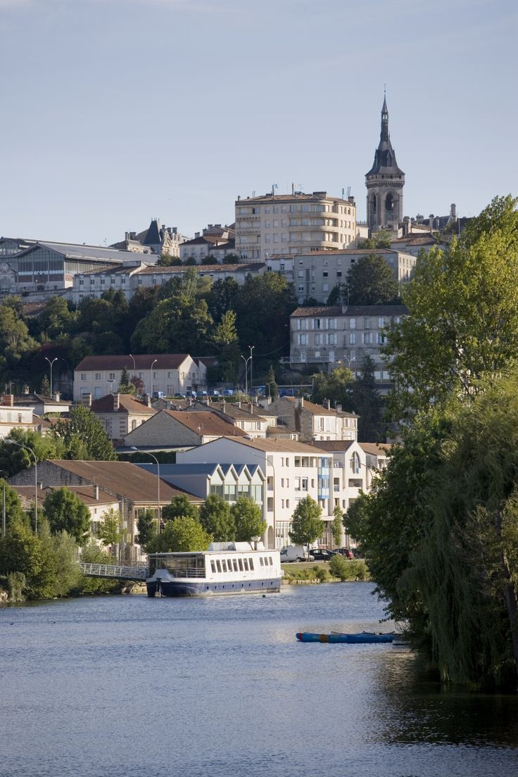 #Angoulême, ville d'art et d'histoire - Cités & villages de caractère - La #Charente