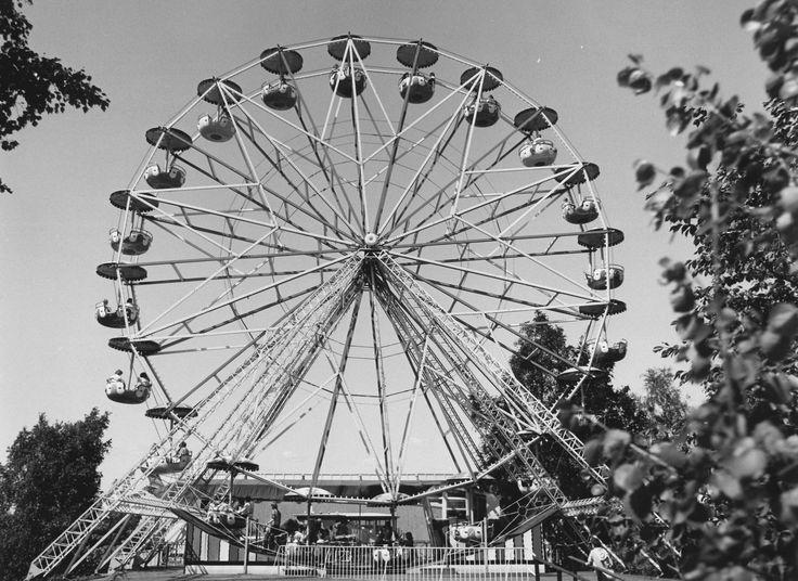 Maailmanpyörä #finland #helsinki #linnanmaki #summer #kesa #visitfinland #huvipuisto #amusementpark #nojespark #puisto #park #nostalgia