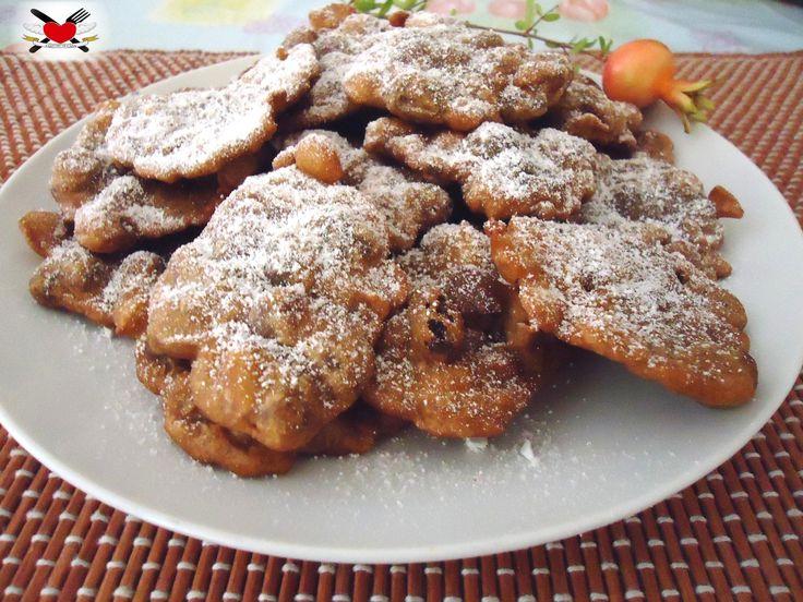 Frittelle con farina di castagne pinoli e uvetta