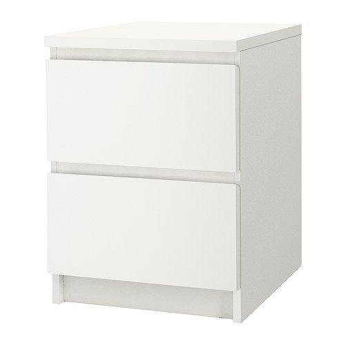 MALM Cómoda c/2 gavetas IKEA Também pode usar-se como uma mesa de cabeceira. Gavetas muito espaçosas, oferecem mais espaço de arrumação.