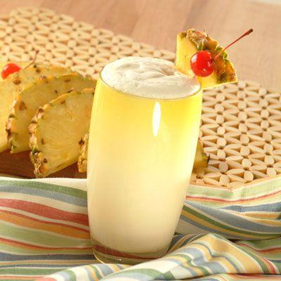 ¡Celebra tu viernes con esta deliciosa receta de piña colada! Esta rica bebida está lista en solo 5 minutos.
