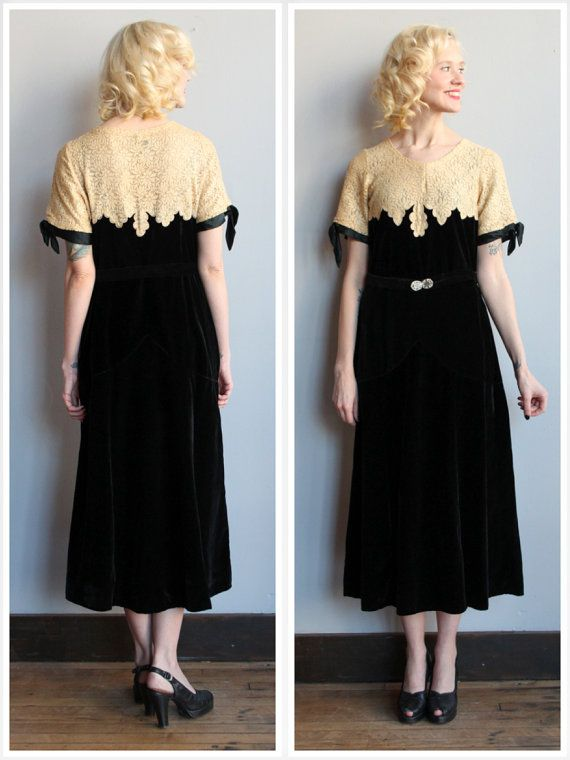 1920s Dress // Widows Peak Dress // vintage 20s by dethrosevintage