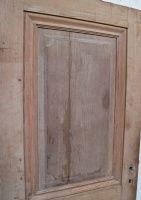 Byg reol og tjenerstation af gamle døre og gulvbræder