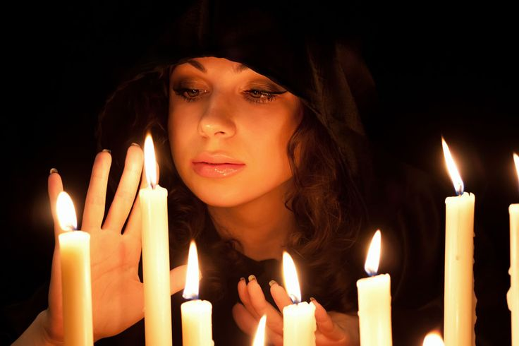 K adventu sviečky jednoducho patria, ale viete, akú farbu treba zvoliť, aby ste dosiahli tú správnu atmosféru, alebo aby vám pomohli v konkrétnej čin