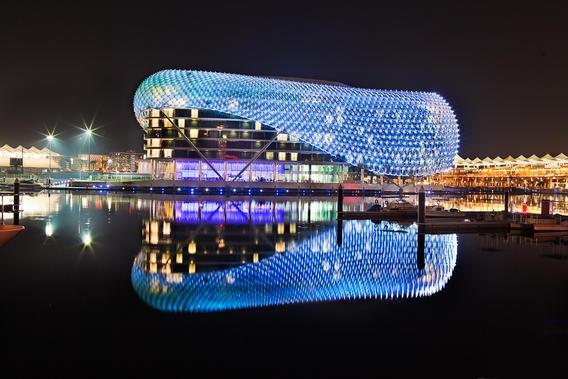 Abu-Dhabi Yas Island Marina Grand Prix circuit -Hotel - Iluminado con luces LED